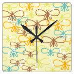 Línea caprichosa mariposas de la libélula del arte relojes