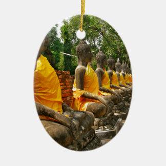 Línea de Buddhas Adorno Ovalado De Cerámica