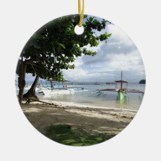 línea de la playa adorno navideño redondo de cerámica