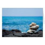 Línea de la playa de Hawaii - coral blanco, rocas  Tarjeta