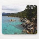 Línea de la playa del lago Tahoe Tapetes De Raton