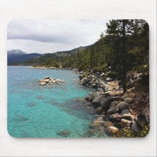 Línea de la playa del lago Tahoe Tapetes De Ratones