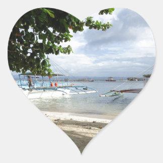 línea de la playa pegatina en forma de corazón