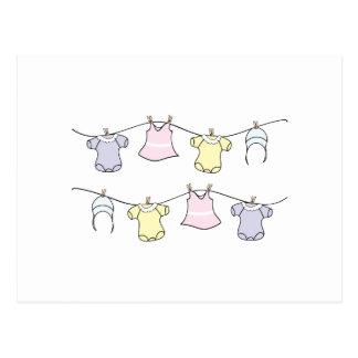 Línea de ropa del bebé tarjetas postales