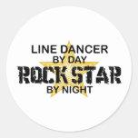 Línea estrella del rock del bailarín por noche pegatina redonda