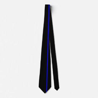 Línea vertical fina azul en la derecha compensada corbatas