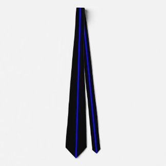 Línea vertical fina centrada azul en negro corbata personalizada
