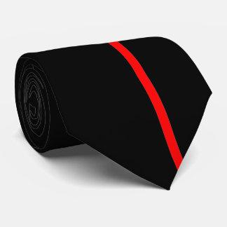 Línea vertical fina roja en la derecha compensada corbatas