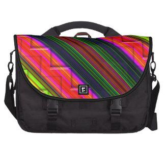 Líneas coloridas con el bolso grabado en relieve d bolsas para ordenador
