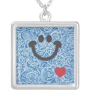 Líneas Curvy collar azul de la sonrisa