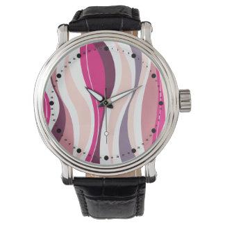 Líneas Curvy modernas (uva rosada del fuschia) Reloj