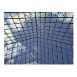 Líneas de la pirámide del Louvre Tarjeta Postal