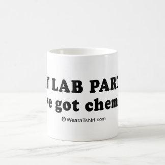 """LÍNEAS de la RECOGIDA - """"tenemos química """" Taza"""