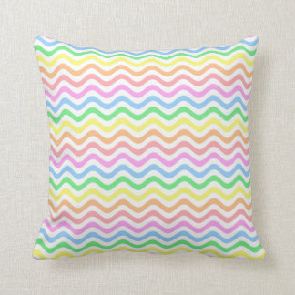 Líneas en colores pastel onduladas cojín
