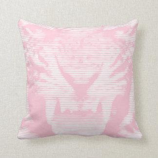 Lineas horizontales del tigre rosado enojado cojin