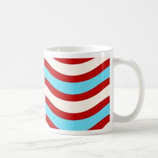 Líneas onduladas blancas rayas de la turquesa roja tazas