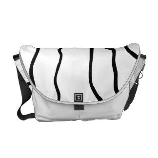 Líneas onduladas blancos y negros la bolsa de bolsa de mensajeria
