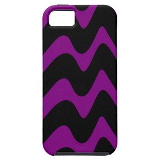 Líneas onduladas negras y púrpuras iPhone 5 Case-Mate protectores
