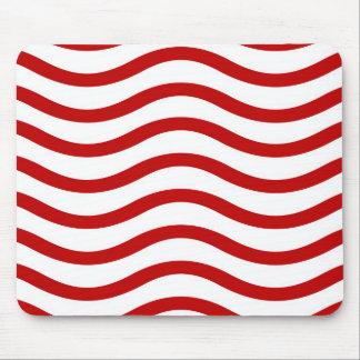 Líneas onduladas rojas y blancas regalos de la div tapetes de ratón
