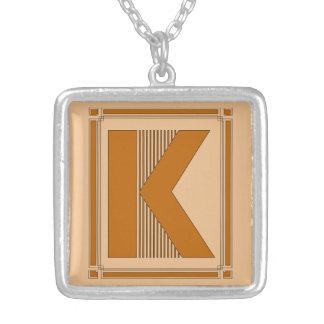Líneas rectas art déco con el monograma, letra K Colgante Cuadrado