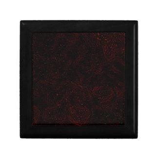 Líneas rojas finas en la caja de regalo negra joyero cuadrado pequeño