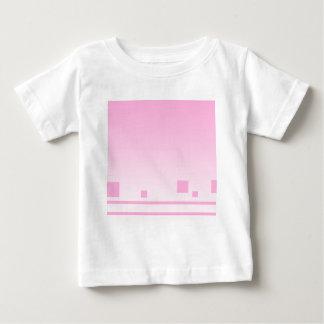 Líneas y cuadrados. Diseño abstracto rosado Camisetas