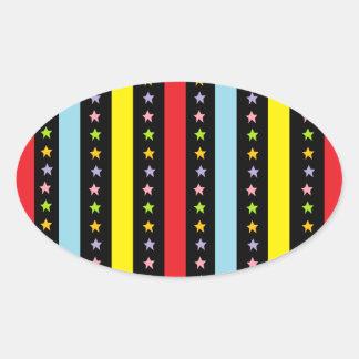 Líneas y estrellas coloridas pegatina ovalada