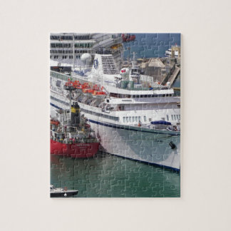 Liner Athena Jigsaw Puzzle