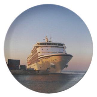 Liner Seven Seas Navigator Plate