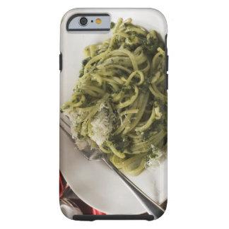 Linguine con el pesto y el parmesano, vino rojo funda para iPhone 6 tough