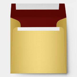 Lino cuadrado del rojo y del oro sobres