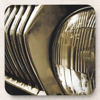 Linterna clásica vieja del coche posavasos