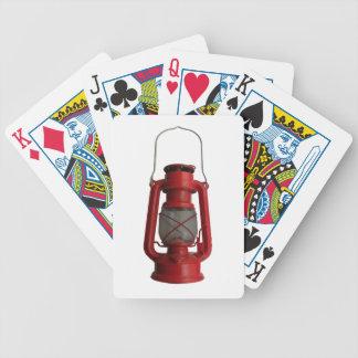 Linterna de keroseno roja baraja cartas de poker