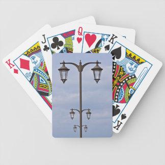 Linterna de la calle barajas de cartas