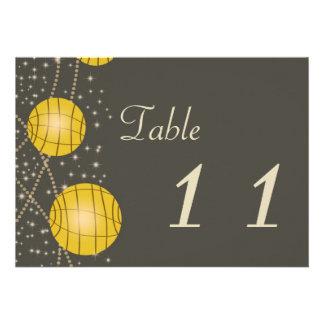 Linternas festivas con amarillo gris y de oro en c invitacion personal
