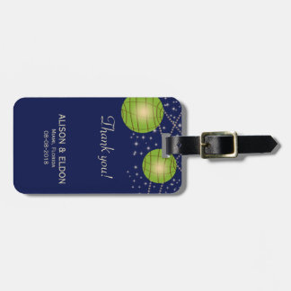 Linternas festivas con azul marino y verde etiquetas para equipaje