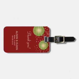 Linternas festivas con rojo y verde en colores pas etiquetas para maletas