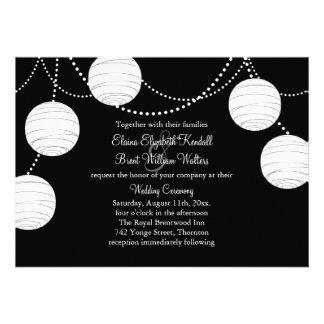 Linternas negras y blancas del fiesta que casan la comunicados personalizados