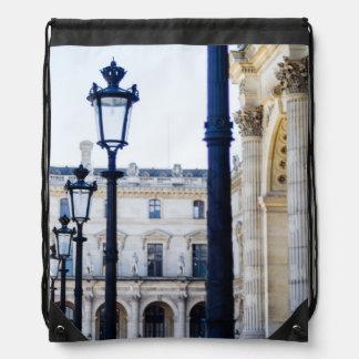 Linternas, postes de la lámpara en París, Francia Mochila