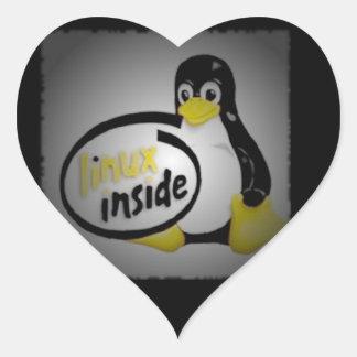 LINUX DENTRO de Tux el logotipo del pingüino de Calcomanías De Corazones