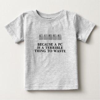 Linux, porque una PC es una cosa terrible a perder T Shirts