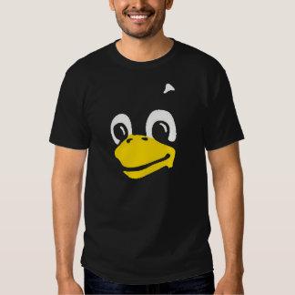 Linux Tux la cara del pingüino en la camiseta negr Playeras