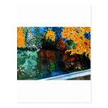 Linville baja en colores del otoño postal