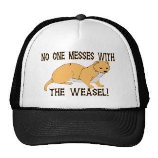 Lío con la comadreja gorras
