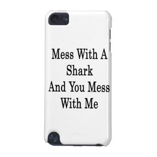 Lío con un tiburón y usted lío conmigo