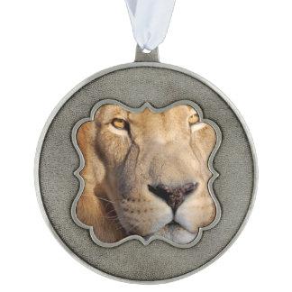 lion-3 adorno ondulado de peltre