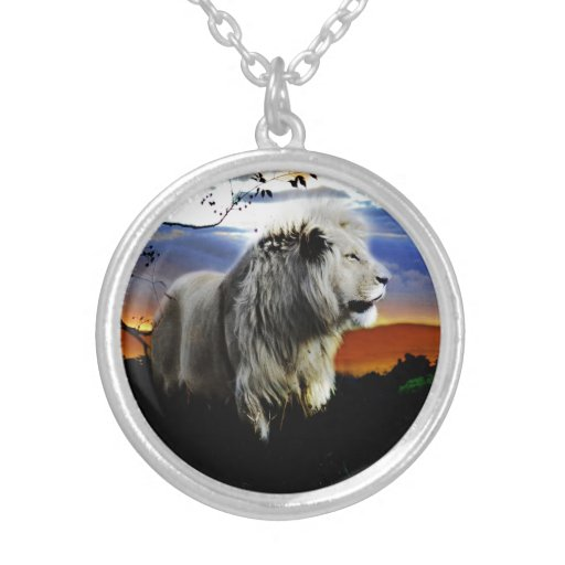 Lion in the jungle round pendant necklace