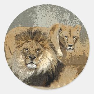 LION / LIONESS PAIR STUNNING PORTRAIT CLASSIC ROUND STICKER