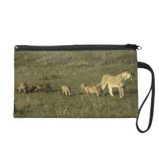LION MOTHER AND CUBS WRISTLET CLUTCH