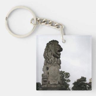 Lion statue keychain